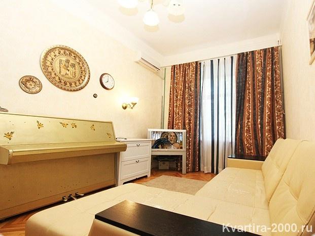 Двухкомнатная квартира посуточно м. Белорусская по цене 4200 рублей