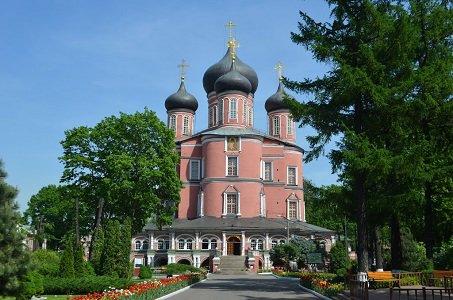 Донской монастырь в Москве, метро Шаболовская