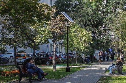 Сквер на Люсиновской улице рядом с Добрынинской