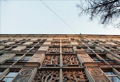 Ажурный дом рядом с Белорусской