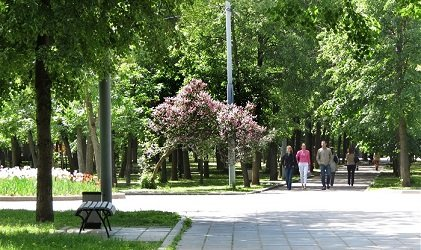 Сквер Девичьего поля, Москва, метро Смоленская