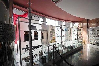 Музей радиотелевизионного вещания в фойе телебашни.