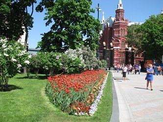 Главный вход в Александровский сад.