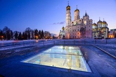 Экспозиционные окна на Ивановской площади.