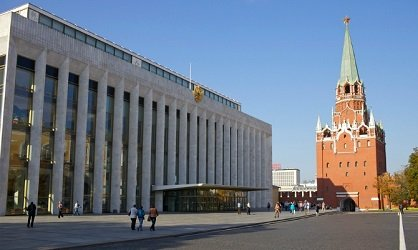 Здание Арсенала в Кремле.
