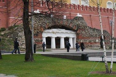 Грот Руины в Александровском саду.